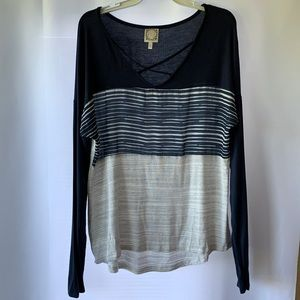 Truself Large long sleeve navy & white knot top